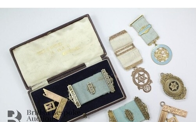 9ct Yellow Gold Masonic jewels, from the Endeavor Lodge nr 8...