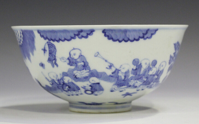 A Chinese blue and white porcelain bowl, mark of Qianlong but 20th century or later, the exterior pa