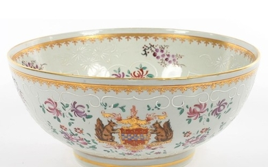 A SAMSON TYPE CHINESE EXPORT PORCELAIN FAMILLE ROSE PUNCH BO...