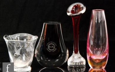 A collection of 20th Century glass to include an Orrefors cl...