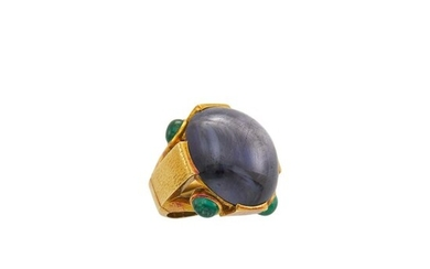 David Webb Hammered Gold, Purple Star Sapphire and Cabochon Emerald Ring