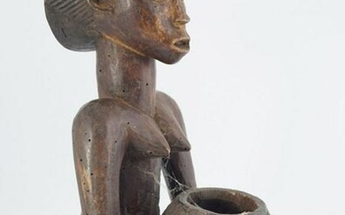 EARLY AFRICAN CARVED WOOD FIGURE