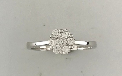 Flower ring in white gold 750°/°°° set with...