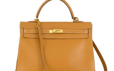 HERMÈS | GOLD KELLY SELLIER 35 IN TOGO LEATHER WITH GOLD HARDWARE, 2000
