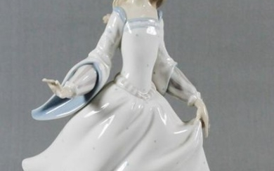Lladro Figure Of Cinderella