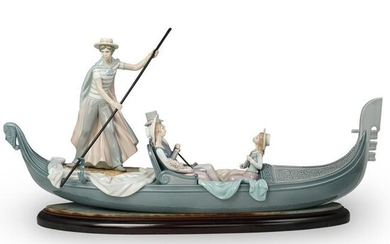 "Lladro ""In The Gondola"" Porcelain Sculpture"