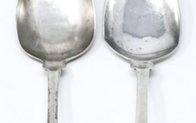 Pair C 1830s Curtiss & Stiles Coin Silver Spoons