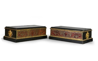 Pair of rectangular inlaid marquetry bases, with a Boulle of foliated scrolls, ebony and blackened wood veneer, decorated with a frieze of acanthus leaves and laurel, the sides adorned with chased and gilded bronze espagnolette heads.
