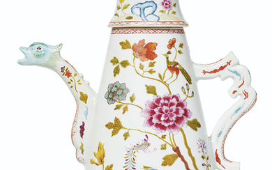 A LARGE FAMILLE ROSE COFFEE POT AND COVER, QIANLONG PERIOD (1736-1795)