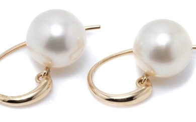 A PAIR OF SOUTH SEA PEARL EARRINGS; 11.5mm round cultured pearls of fine colour and very good lustre to 9ct gold tapered shepherds h...