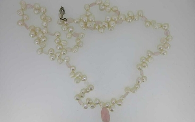 A cultured freshwater pearl and rose quartz necklace
