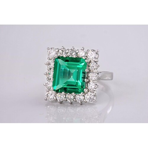 An exceptionally beautiful, rare and impressive emerald and ...