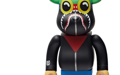 BE@RBRICK X A BATHING APE X HEBRU BRANTLEY X SOCIAL STATUS, Flyboy Shark 400% & 100%