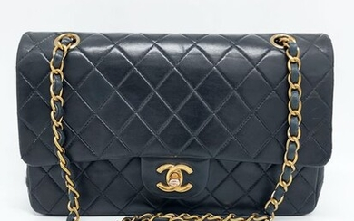 Chanel - Classic Medium Double Flap Shoulder bag