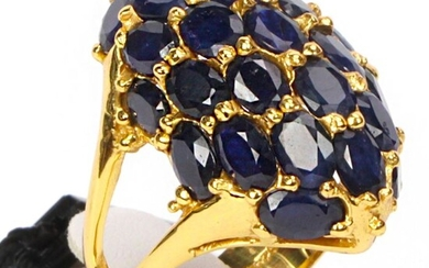 Precious Blue Sapphire Ring in 925 silver plated with 14 ct gold - 30.5×31×20 mm - 13.8 g