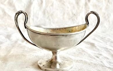 Salt cellar, A magnificent salt bowl - .800 silver, Silver gilt - possibly German - Germany - Late 18th century