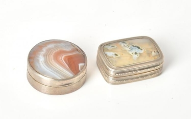 Two George III silver and agate vinaigrettes
