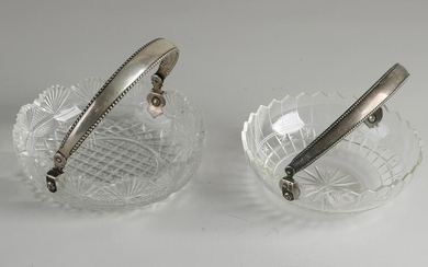 Two crystal dishes with silver, 835/000.&#160 Two round