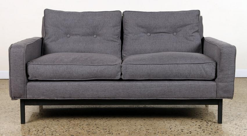 UPHOLSTERED SETTEE IRON FRAME IN MANNER OF KNOLL