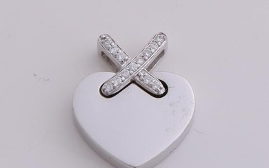 White gold heart pendant, 750/000, with diamond. Tight