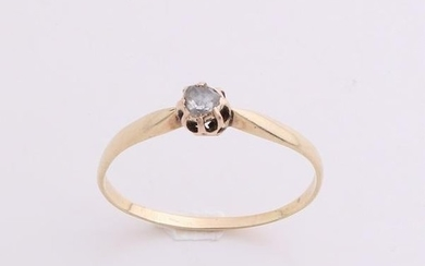 Yellow gold ring, 585/000, with diamond. Solitaire ring