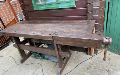 onbekend - onbekend - workbench (1) - Medieval Style - Iron (cast/wrought), Wood