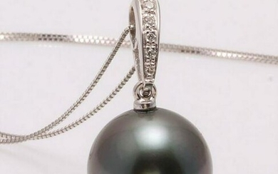 14 kt. White Goud - 12x13mm Round Tahitian pearl