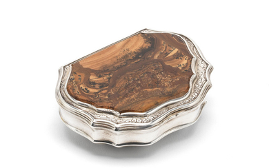 A George II silver and mounted agate snuff box