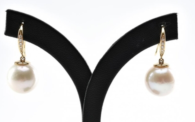 A PAIR OF PEARL (13.5MM) EARRINGS TO 18CT GOLD DIAMOND SET HOOK FITTINGS