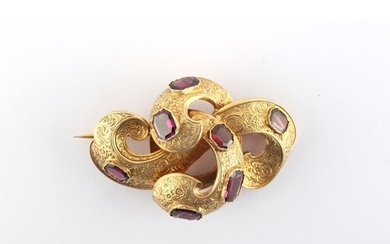 A Victorian unmarked yellow gold (tests 15ct) amethyst scrol...