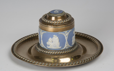 A late Victorian brass and blue jasperware mounted inkwell with applied ropetwist bands, diameter 17
