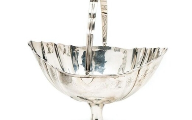 AN IRISH GEORGE III SILVER SWEETMEAT BASKET, DANIEL EGAN,...