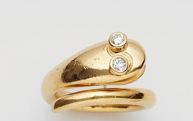 An 18k gold and diamond snake ring
