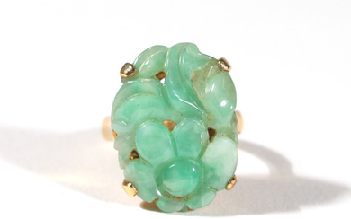 CARVED JADE 14k YELLOW GOLD RING