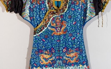 Chinese dignitary dress in embroidered silk with dragon...