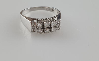DIAMOND RING - gold, diamonds, ring size 57.