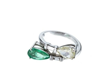 Gold ring with diamonds and emerald
