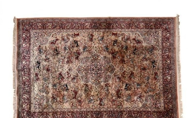 Machine Made Wool Figural Carpet