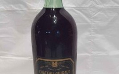 1 magnum château GUIRAUD 1945 SAUTERNES. Perfect label. Low neck level.