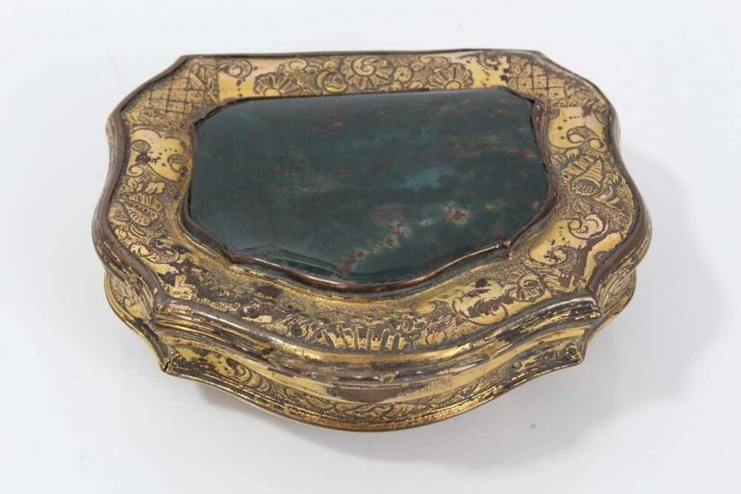 18th century Continental gilt metal and agate inset snuff box