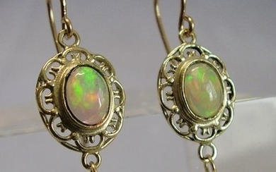 Goldschmiede-Arbeit - 14 kt. Yellow gold - Earrings - 0.85 ct Opal - white cultured pearls
