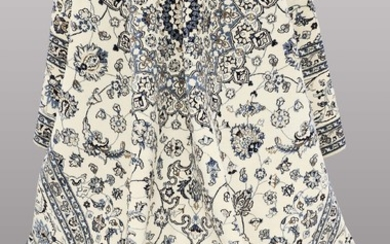 A CARPET, Nain part silk, s.k 9 LAA, 397x 297 cm