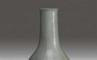 A Chinese guan-type glazed vase Qing dynasty or earlier...