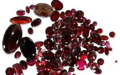 A MIXED LOT OF UNMOUNTED GARNETS of various shapes and