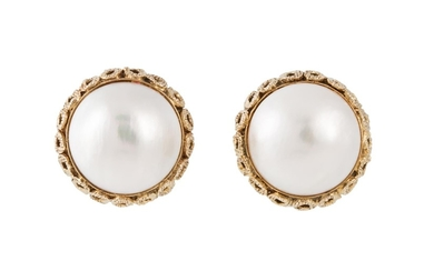 A PAIR OF MABÉ PEARL EARRINGS, mounted in 14ct gold