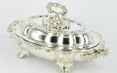 A SET OF VICTORIAN STERLING SILVER MAIN DINNER SERVING DISHES