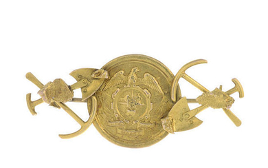 A late 19th century 9ct gold 'digger' brooch.