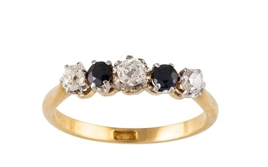 AN ANTIQUE DIAMOND AND SAPPHIRE FIVE STONE RING, set with ol...