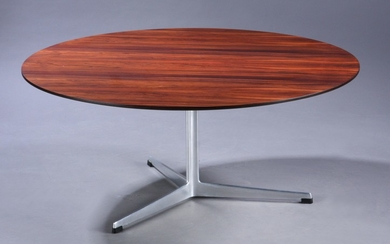 Arne Jacobsen. Round coffee table, Brazilian rosewood top