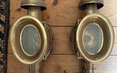 NOT SOLD. A pair of carriage brass lamps. 19th century. H. 45 cm. (2) –...